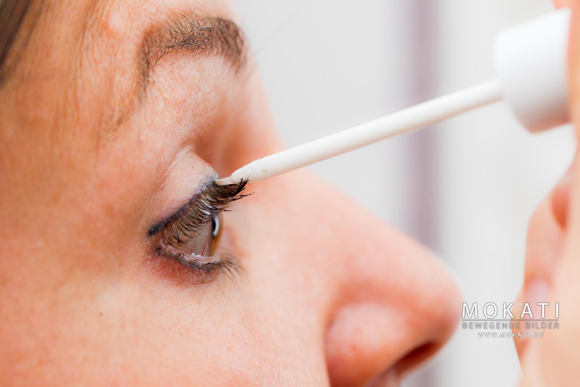 Wimpernwachstum Serum - bei Wimpernausfall - im Redröh Beauty Studio in München